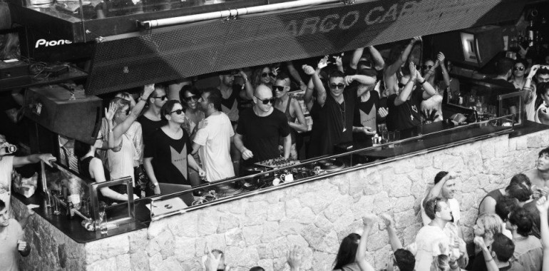 REVIEW: MUSIC ON OPENING PARTY