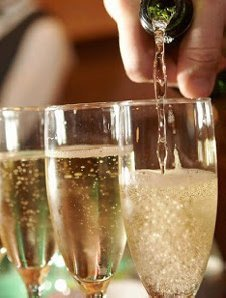BOTTOMLESS BUBBLES: 2 HOURS OF FREE FLOWING CAVA
